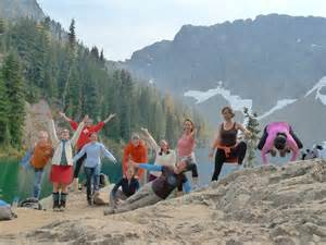 yoga hike group.jpg